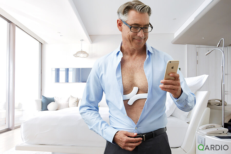 What's the difference between a Holter monitor and QardioCore?