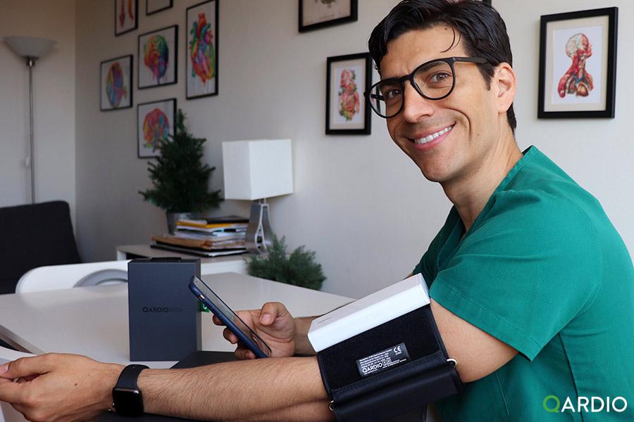 What do doctors think about QardioArm?