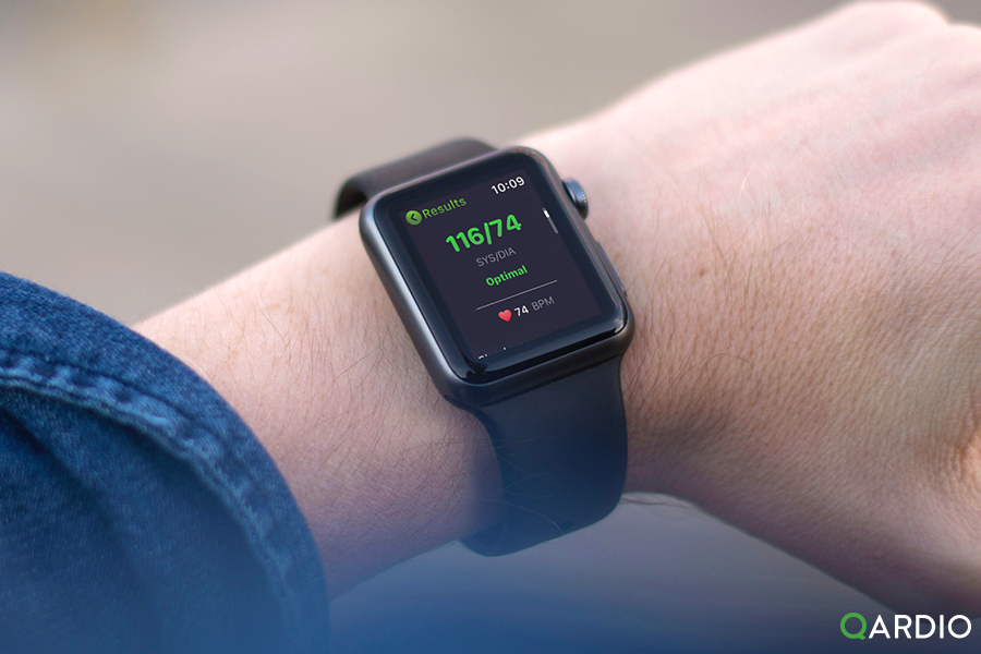 How does Apple Watch help you improve your health?